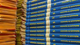 manuels scolairess.jpg